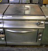 Gas Flat Top Stove And Oven - L930mm x W800mm x H900mm - cracked centre section