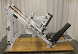 Hammer Strength HSLLP Leg Press - See Pictures for condition