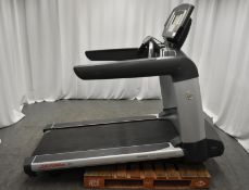 Life Fitness 95T Flex Deck Treadmill - Powers Up Functions Not Tested