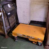Giant Move Equipment - Hand Truck Platform table lift - model FB300-E - serial 1420103