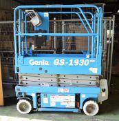 Genie Lift - GS-1930 - serial 20277 - Manufactured 08-19-99 - 100-250 VAC - 50/60hz - Max