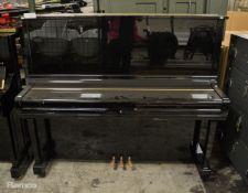 Yamaha U35 Piano W1530 x D650 x H1320mm - damage to top