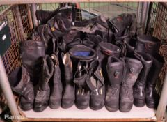 22x pairs various sizes fire safety boots - 7 to 10.5