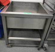 Stainless steel mobile deep washing basin, L 630mm x W 630mm x H 680mm