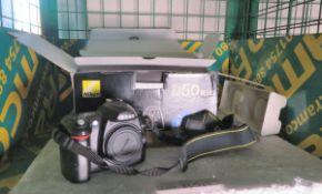 Nikon D50 SLR Camera body with AF-S DX Zoom-Nikkor 18-55mm Lens