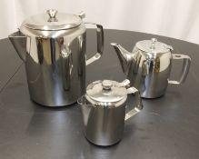 10x Large coffee pots, 24x Universe coffeepots, 10x 16oz coffeepots