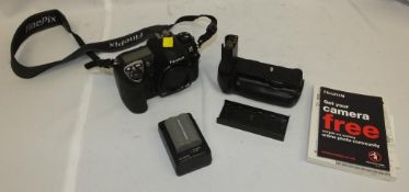 Fujifilm S5 Pro camera body manual, 1x battery, 1x BC-150 battery charger 1x AA battery adapter pack