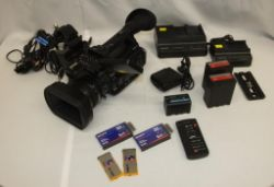 Sony VIdeo camera - Exmor - full HD 3CMOS - PMW-200 - tripod mount, 3x batteries and more