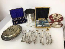 An early 20thc set of Epns teaspoons and a sugar nip, in original box, a set of six Elkington