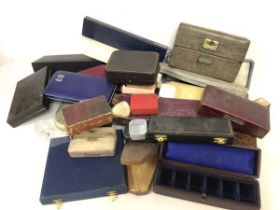 An assortment of vintage and modern jewellery boxes including several for pearl necklaces (a lot)