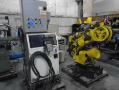 Fanuc Robot R-2000 iA-165F With RJ3iB & Teach PendentAxes: 6Payload: 165.00kgH-Reach: 2650.