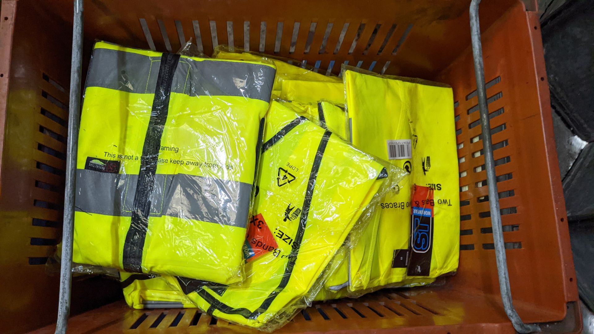 20 off yellow hi-vis vests - Image 4 of 4