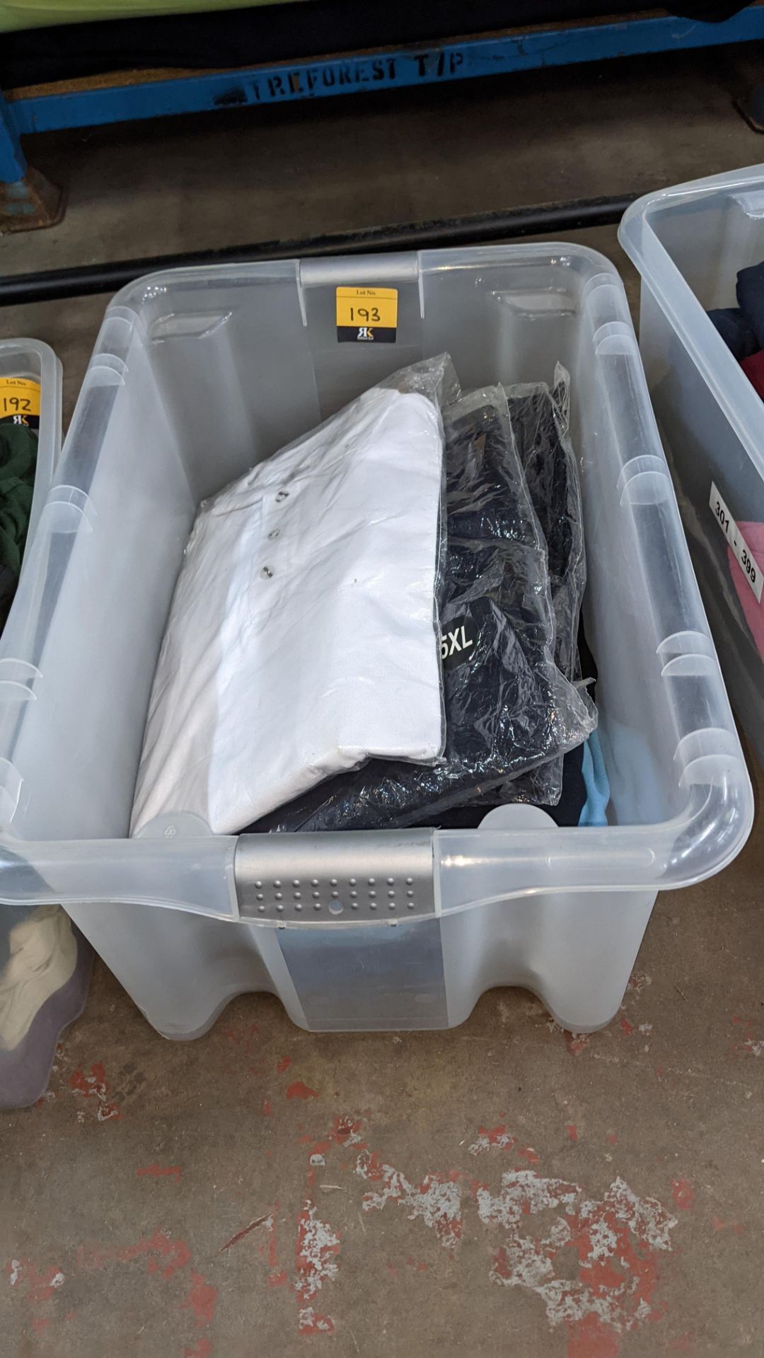 Approx 10 off assorted polo shirts & other tops