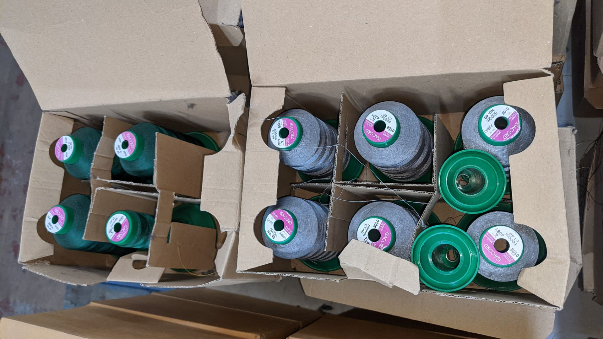 12 boxes of Ackermann Isacord (40) polyester thread - Image 8 of 8