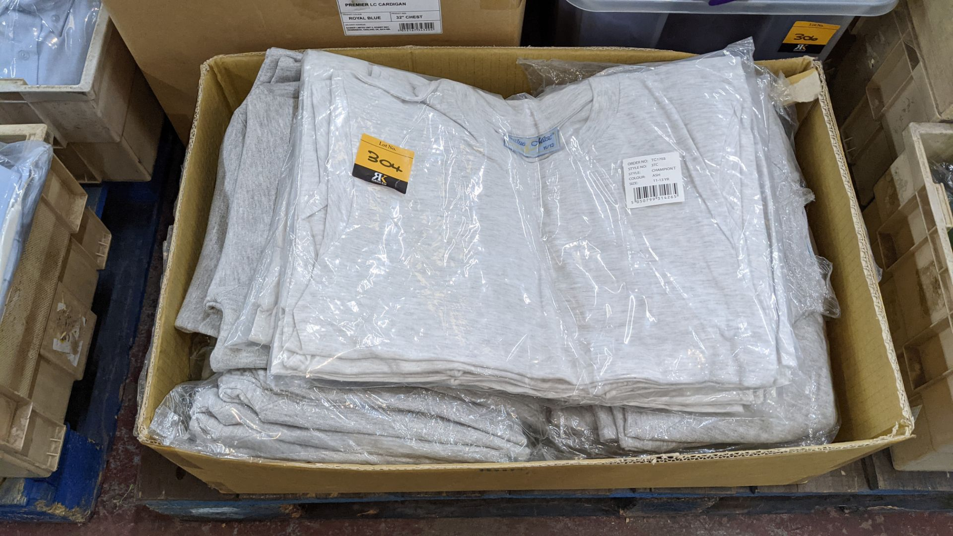 Mixed quantity of children's jumpers & t-shirts - 1 box - Image 2 of 4
