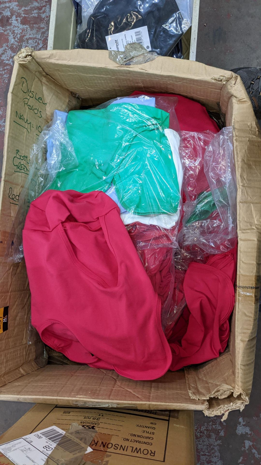 Box of assorted head coverings - Image 4 of 4