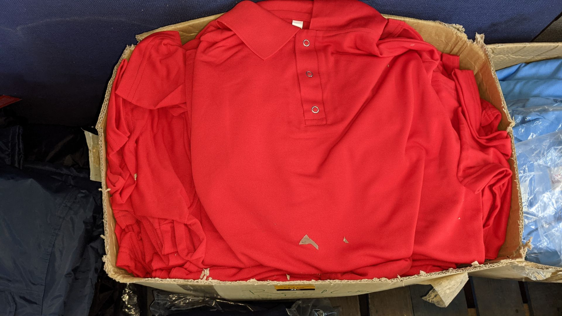 Quantity of red polo shirts - Image 4 of 4