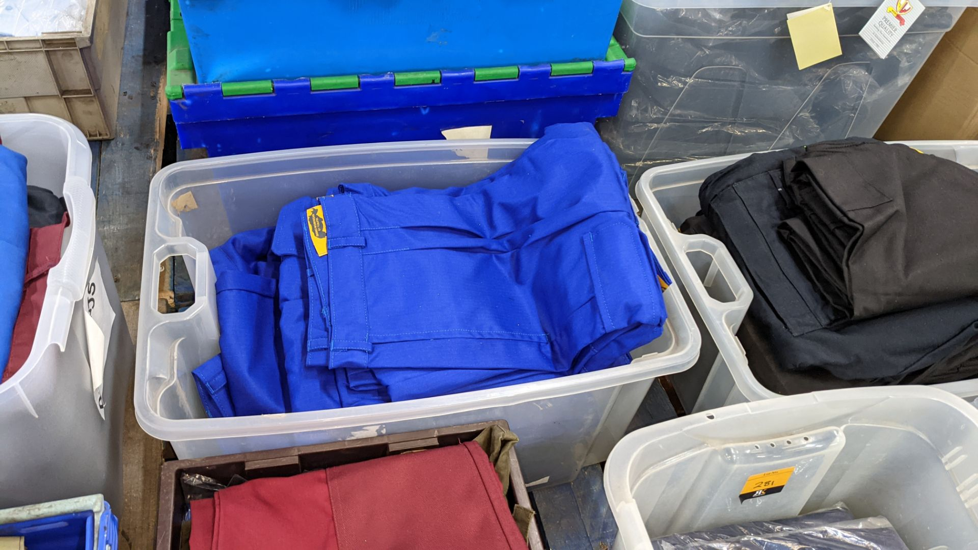 The contents of 4 crates of assorted work trousers. NB crates excluded - Image 6 of 8