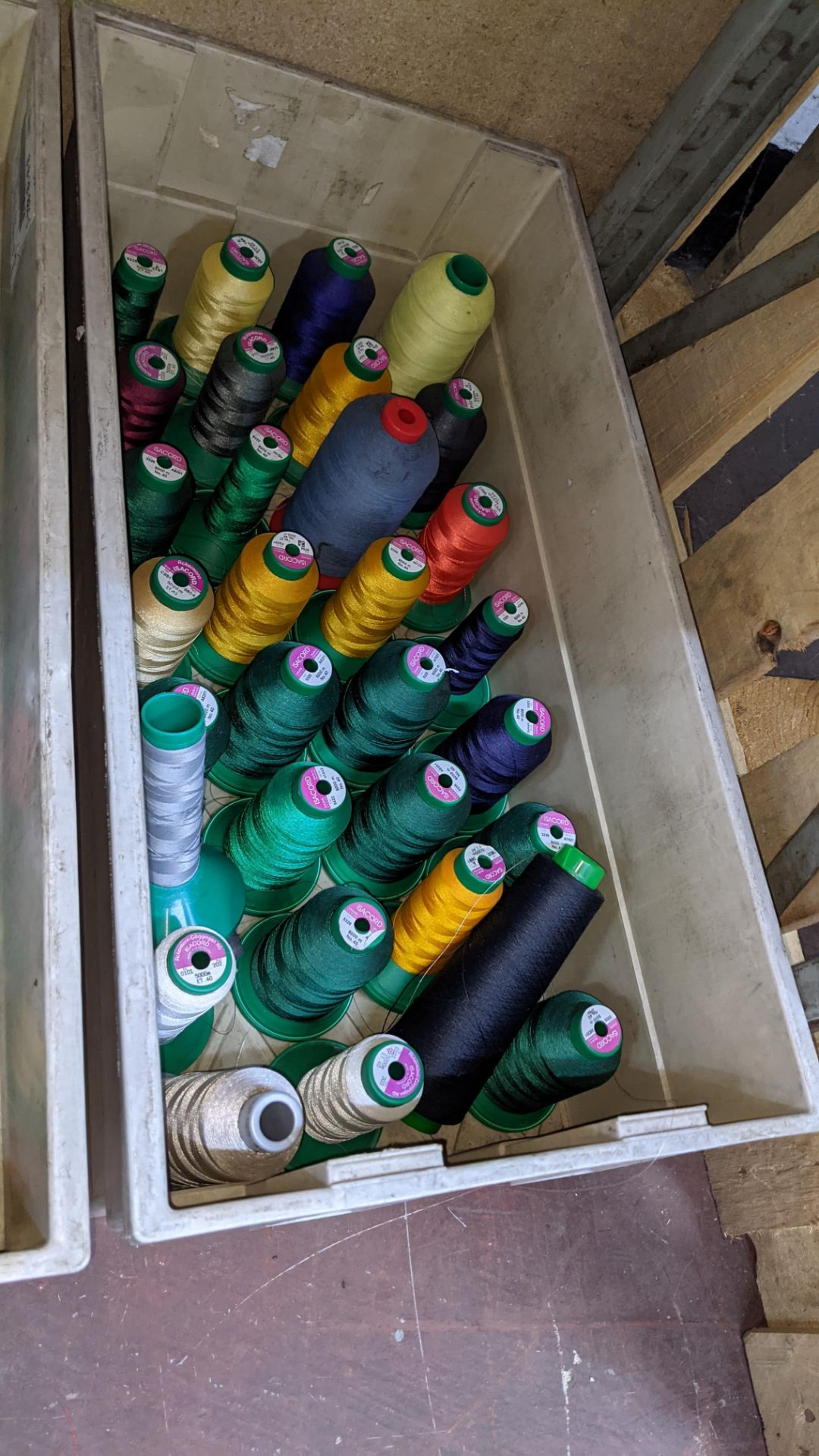 The contents of 4 large crates of assorted thread - Image 5 of 7
