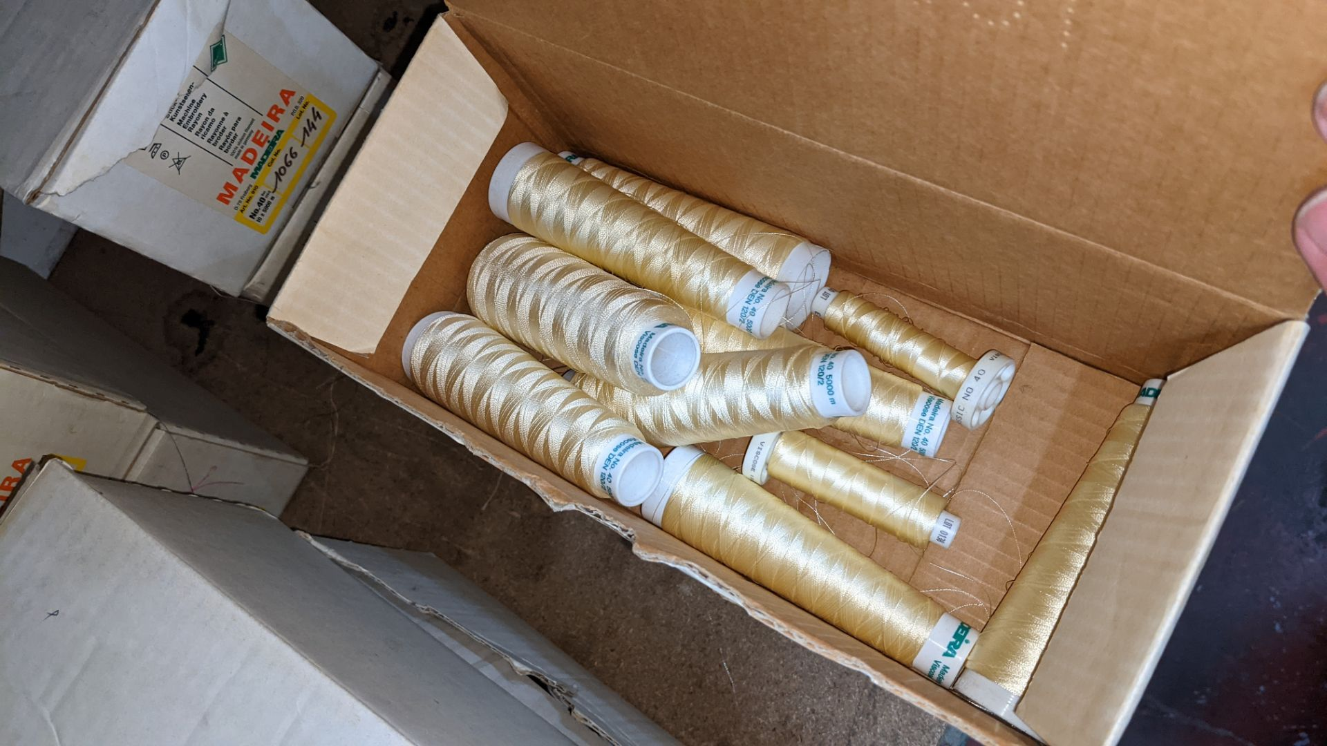 8 boxes of Madeira Burmit No. 40 rayon embroidery thread - Image 5 of 8