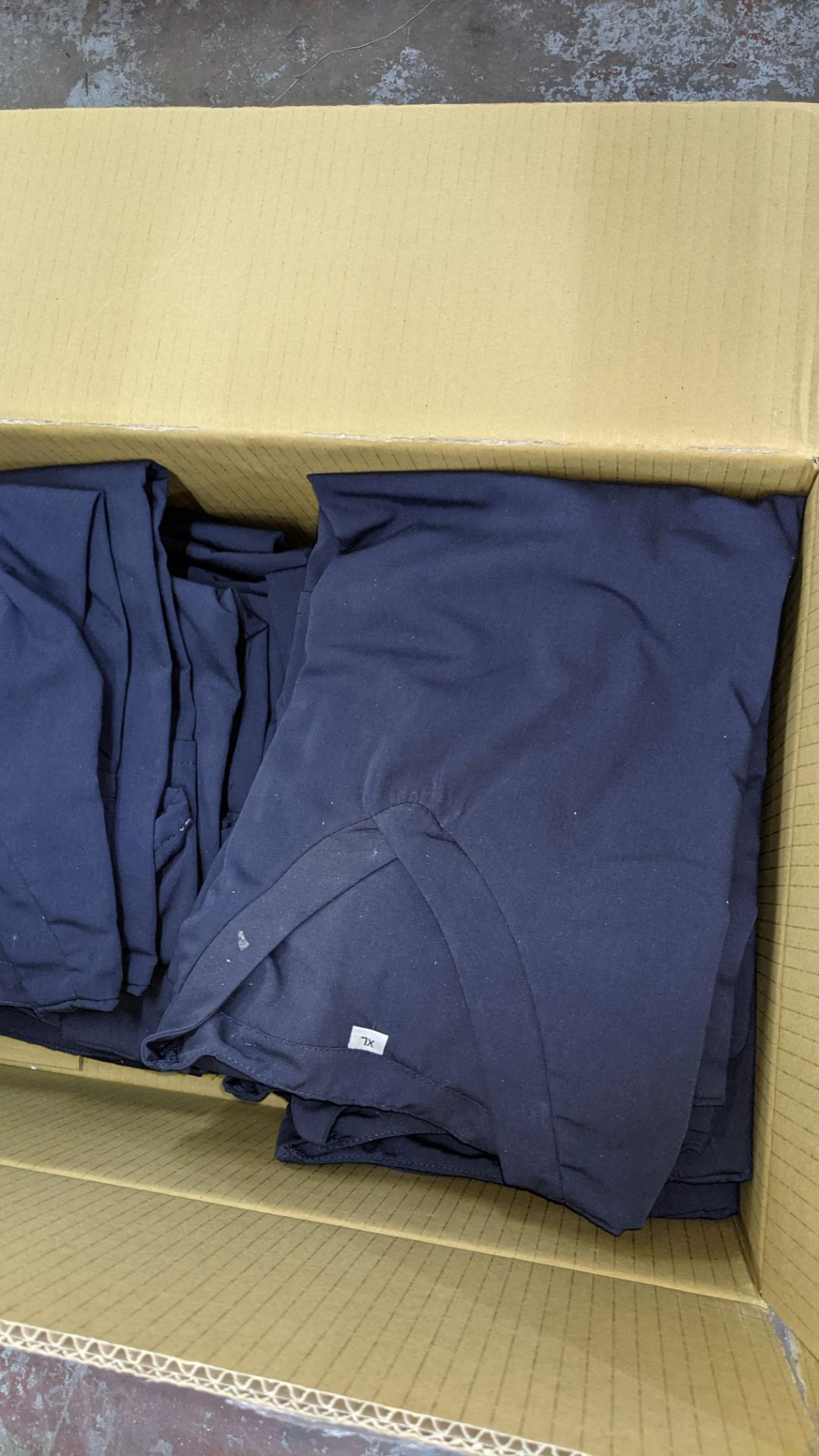 Approx 48 off navy V neck t-shirts - the contents of 2 boxes - Image 6 of 7