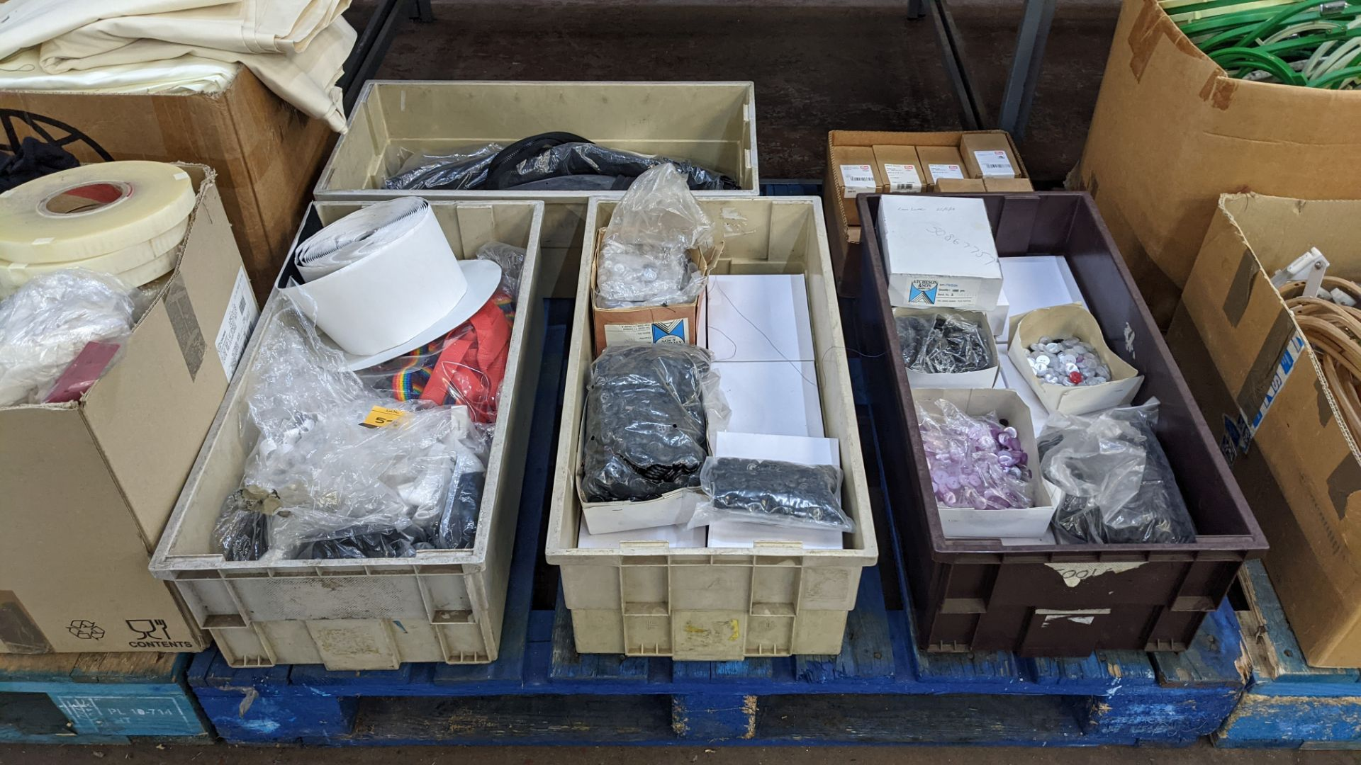The contents of 5 boxes & crates of assorted buttons, zips & other materials - Image 2 of 7