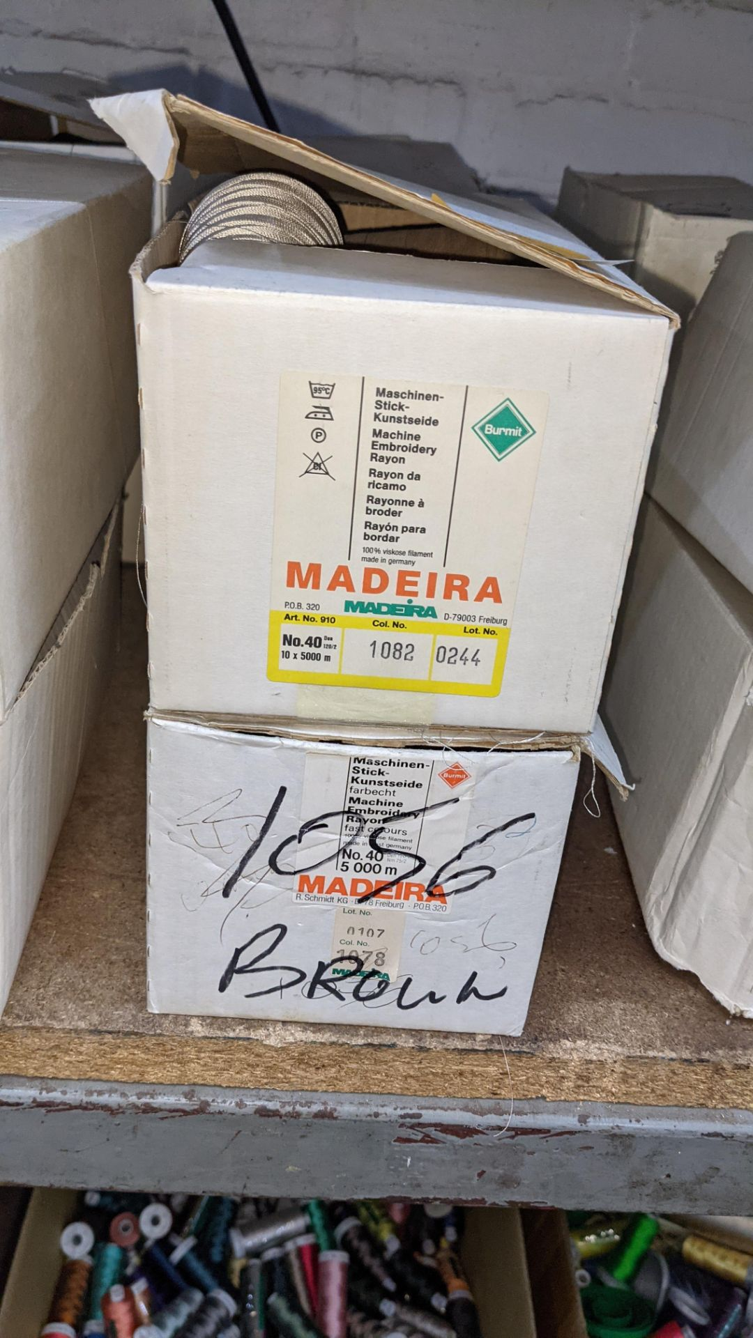 8 boxes of Madeira Burmit No. 40 rayon embroidery thread - Image 4 of 11