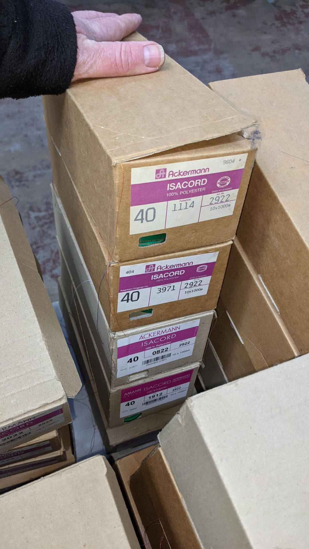 18 boxes of Ackermann Isacord (40) polyester thread - Image 10 of 10