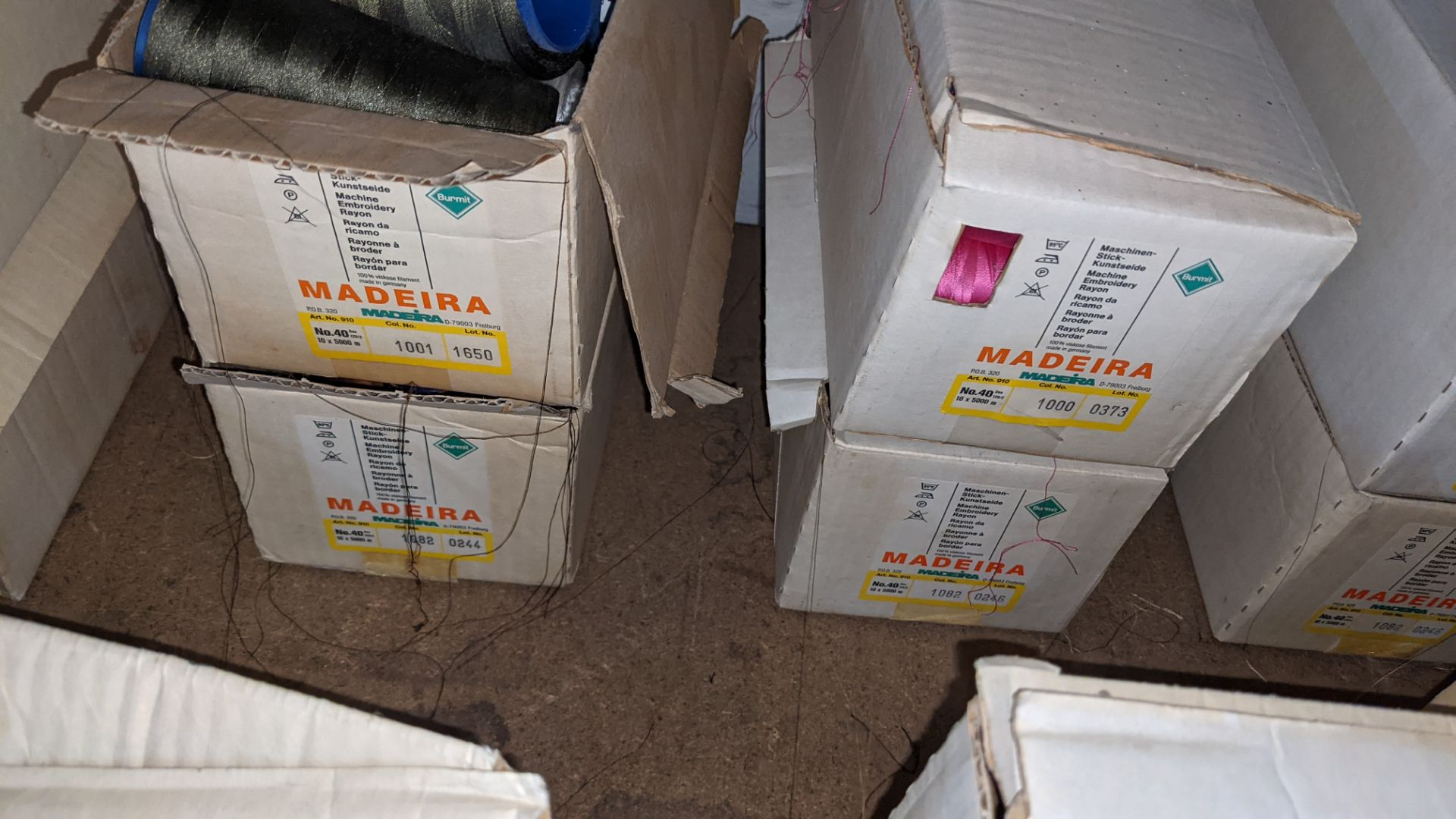 8 boxes of Madeira Burmit No. 40 rayon embroidery thread - Image 5 of 9