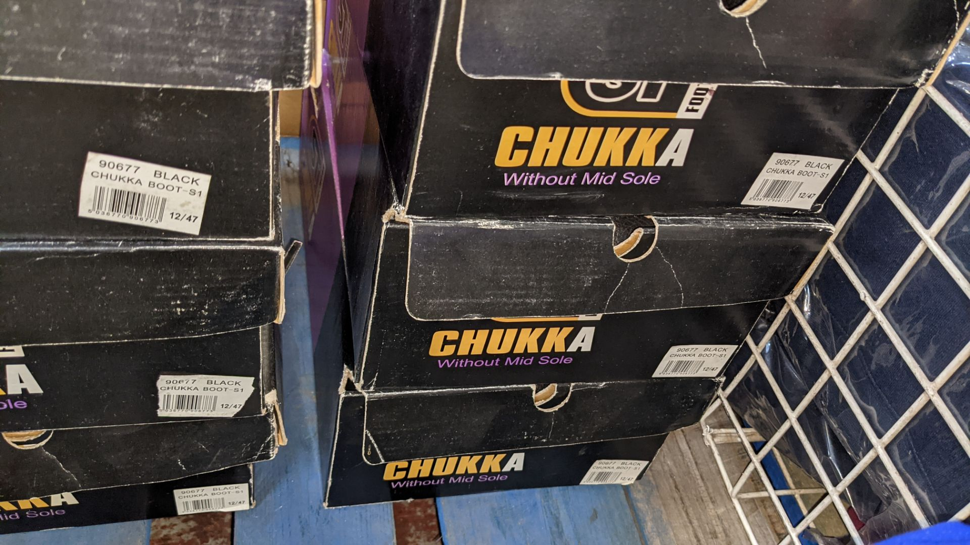 6 pairs of Chukka protective work boots - Image 6 of 6