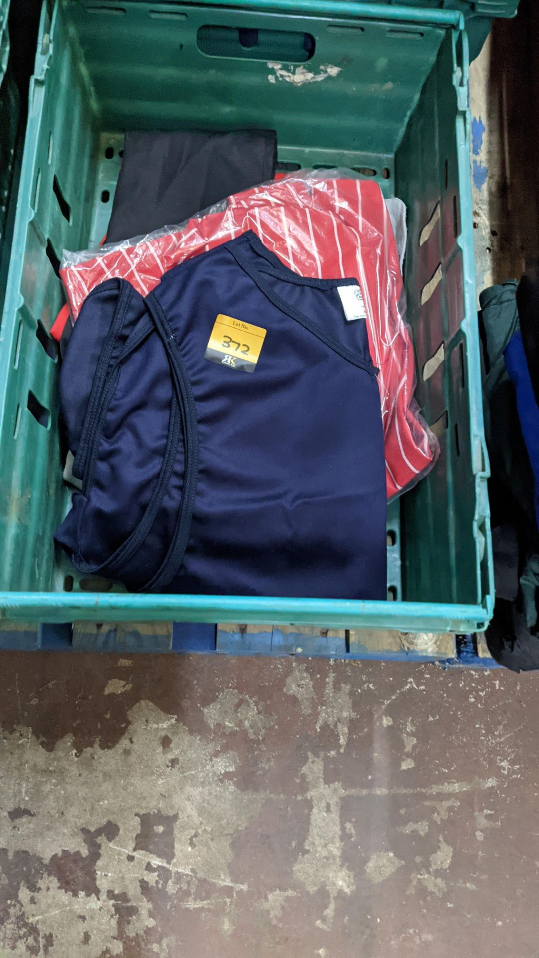 The contents of a crate of assorted aprons & other coveralls - Image 2 of 5