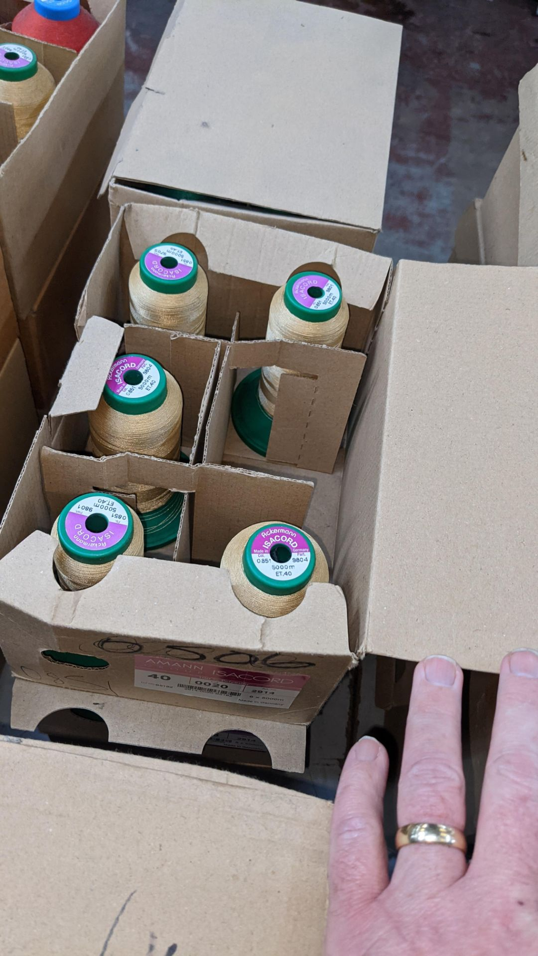 12 boxes of Ackermann Isacord (40) polyester thread - Image 8 of 9