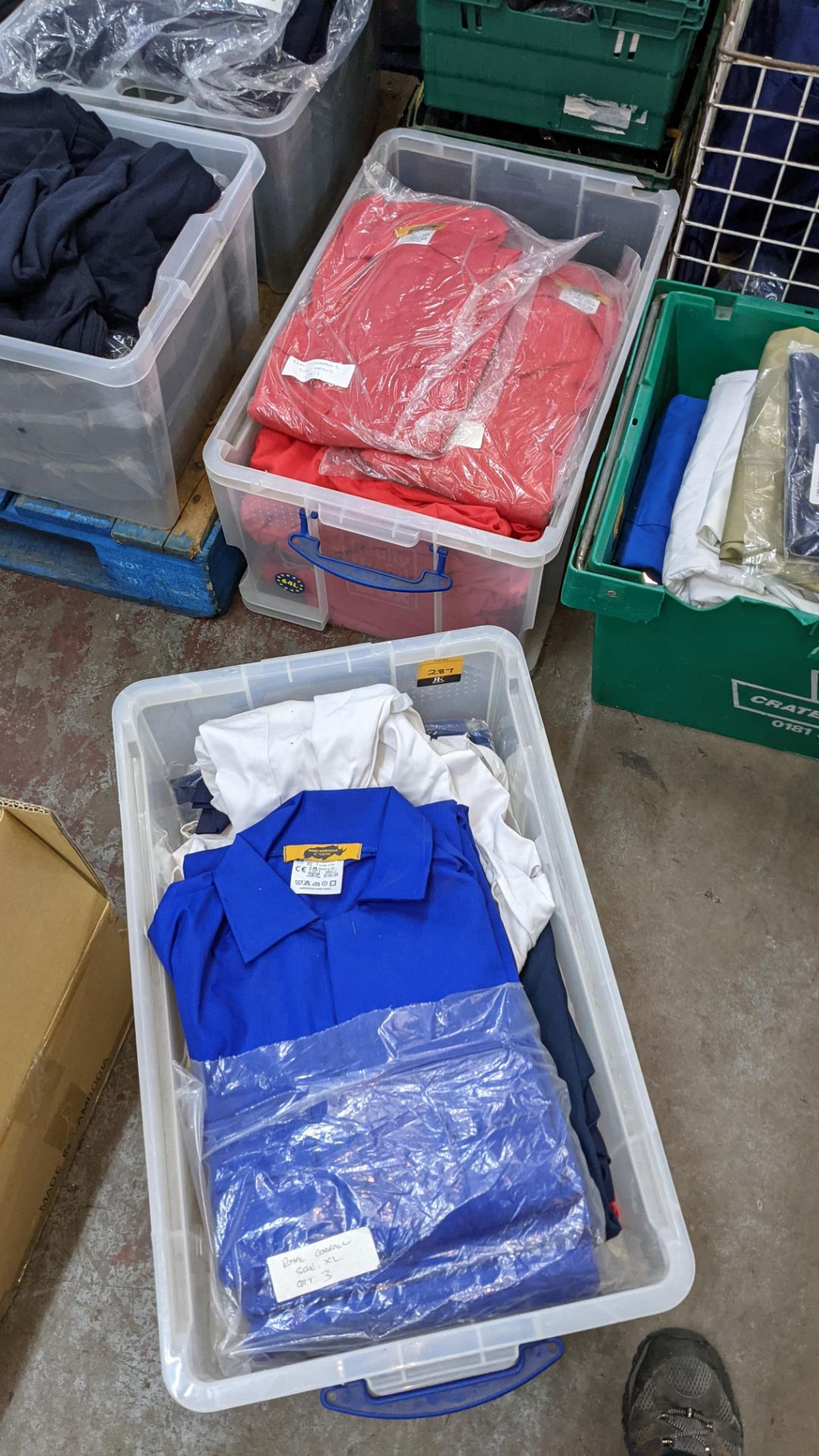 The contents of 2 crates of assorted boiler suits & similar. NB crates excluded - Image 4 of 5