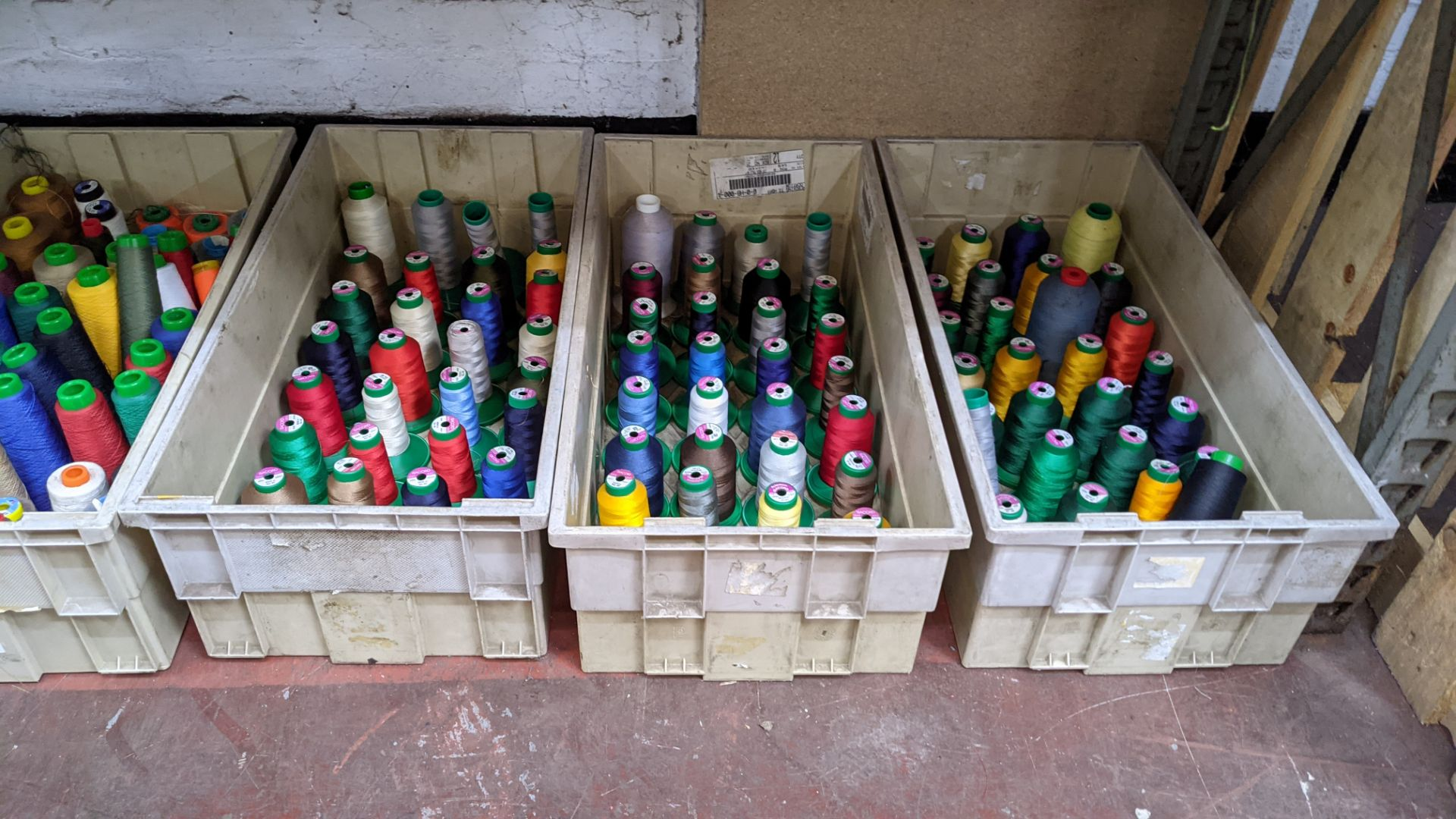 The contents of 4 large crates of assorted thread - Image 7 of 7