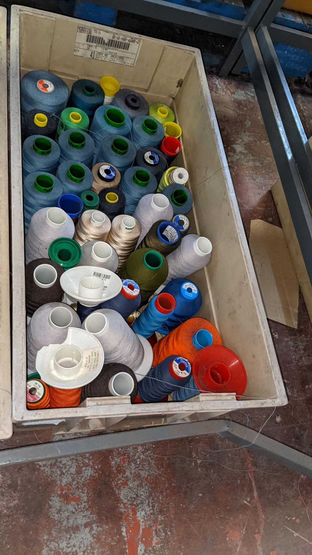 The contents of 3 large crates of assorted embroidery thread - Image 5 of 5