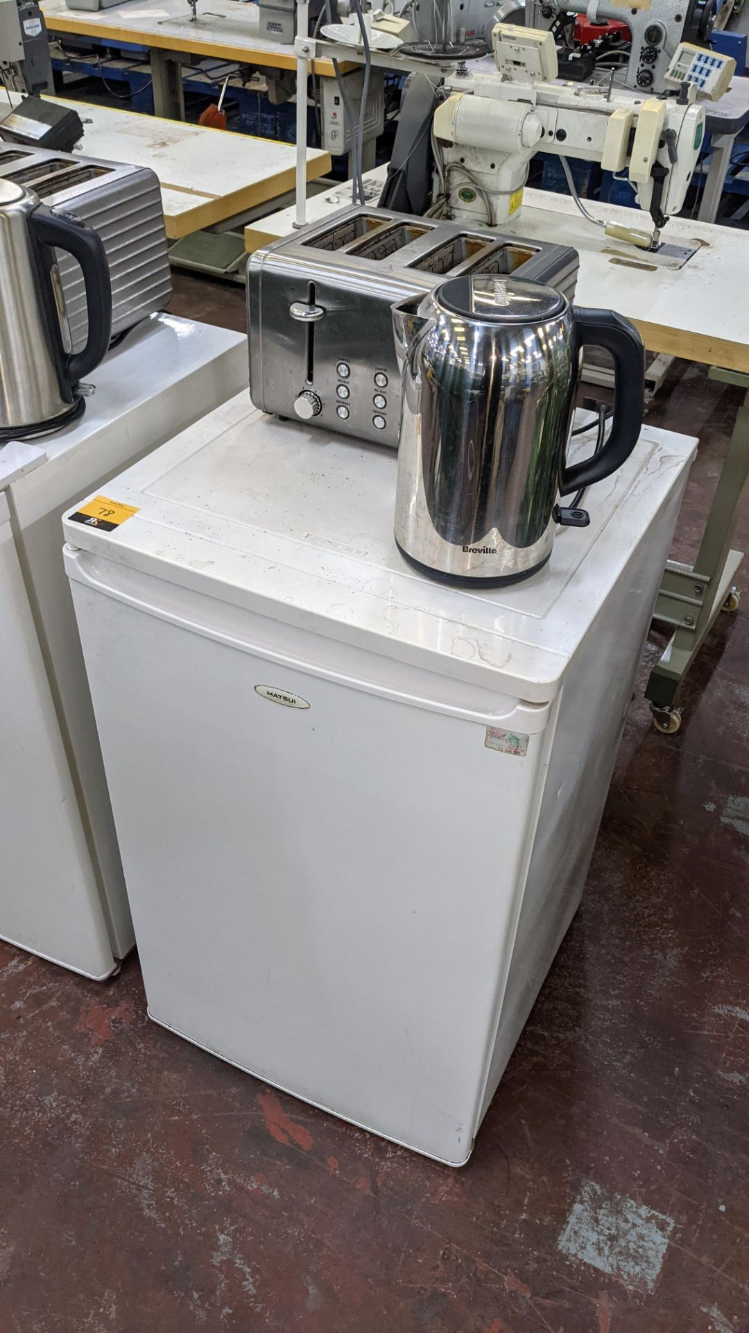 Domestic appliance lot comprising counter height fridge plus cordless kettle & 4 slice toaster