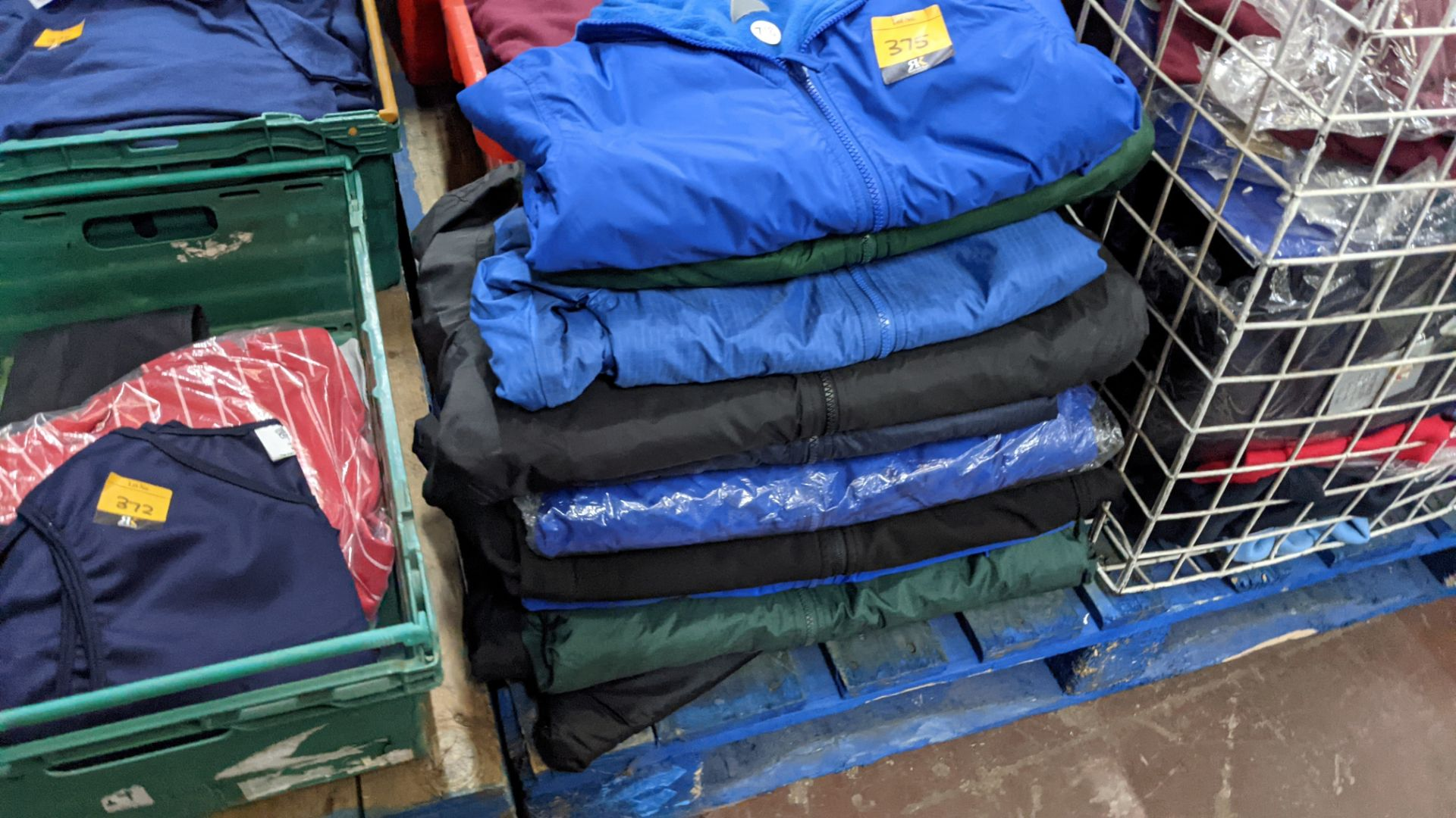 Approx 10 off assorted children's zip up jackets - Image 3 of 6