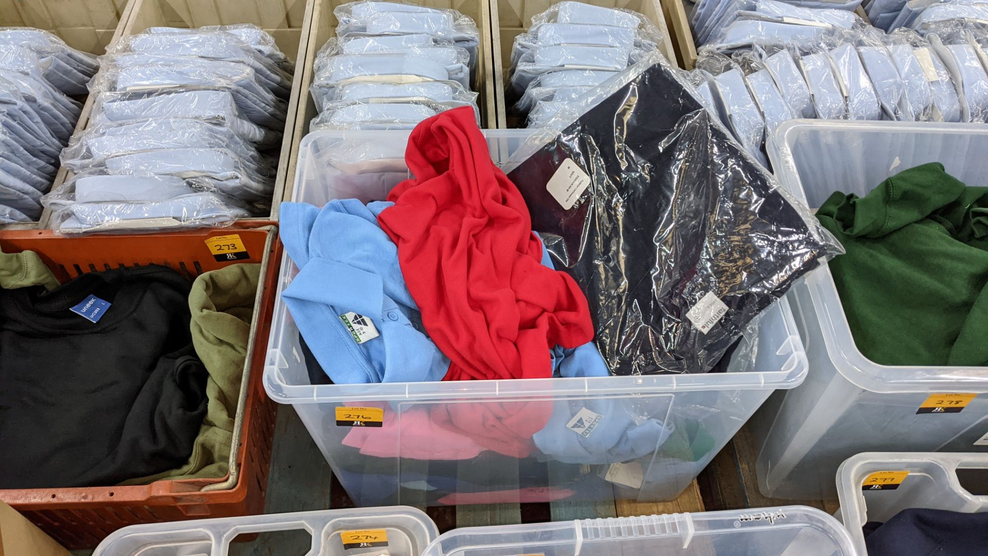 The contents of a crate of assorted garments. NB crate excluded - Image 5 of 5