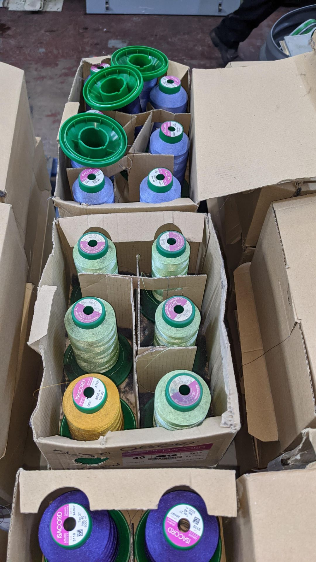 12 boxes of Ackermann Isacord (40) polyester thread - Image 6 of 6