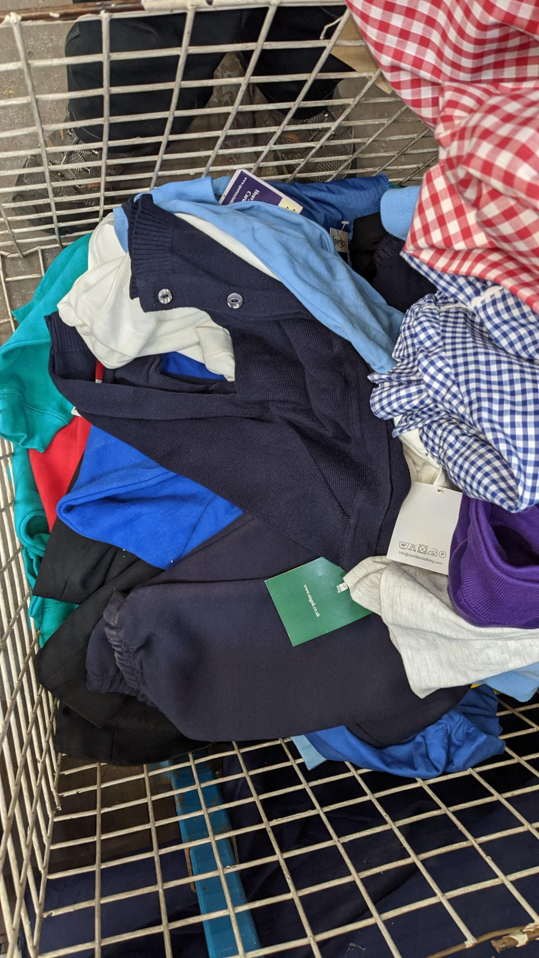 The contents of a cage of children's clothing, sweatshirts, t-shirts & more - Image 5 of 7