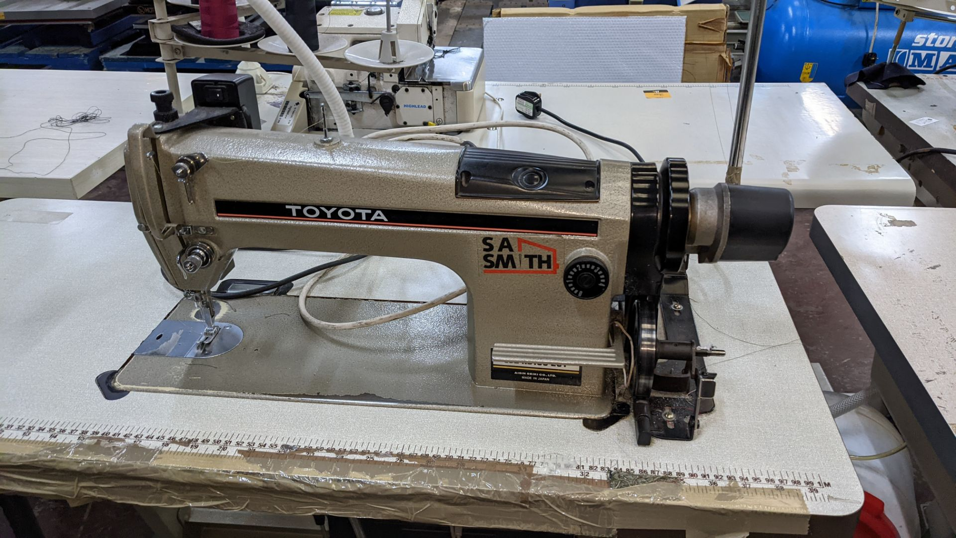Toyota sewing machine - Image 5 of 17