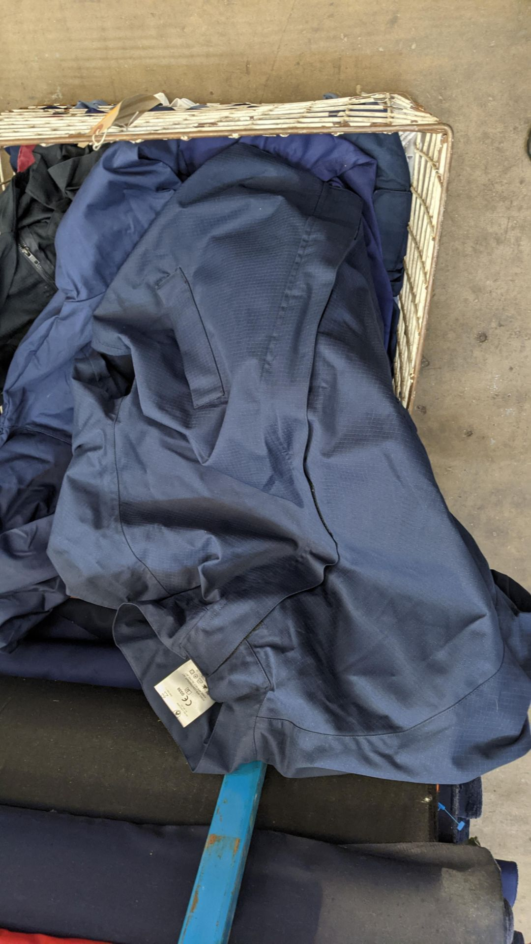 The contents of a cage of workwear & overalls - Image 4 of 6