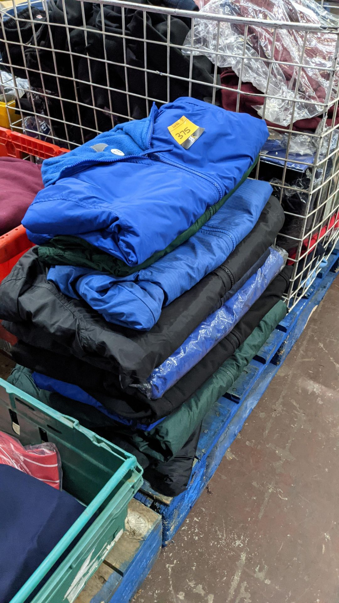 Approx 10 off assorted children's zip up jackets - Image 5 of 6