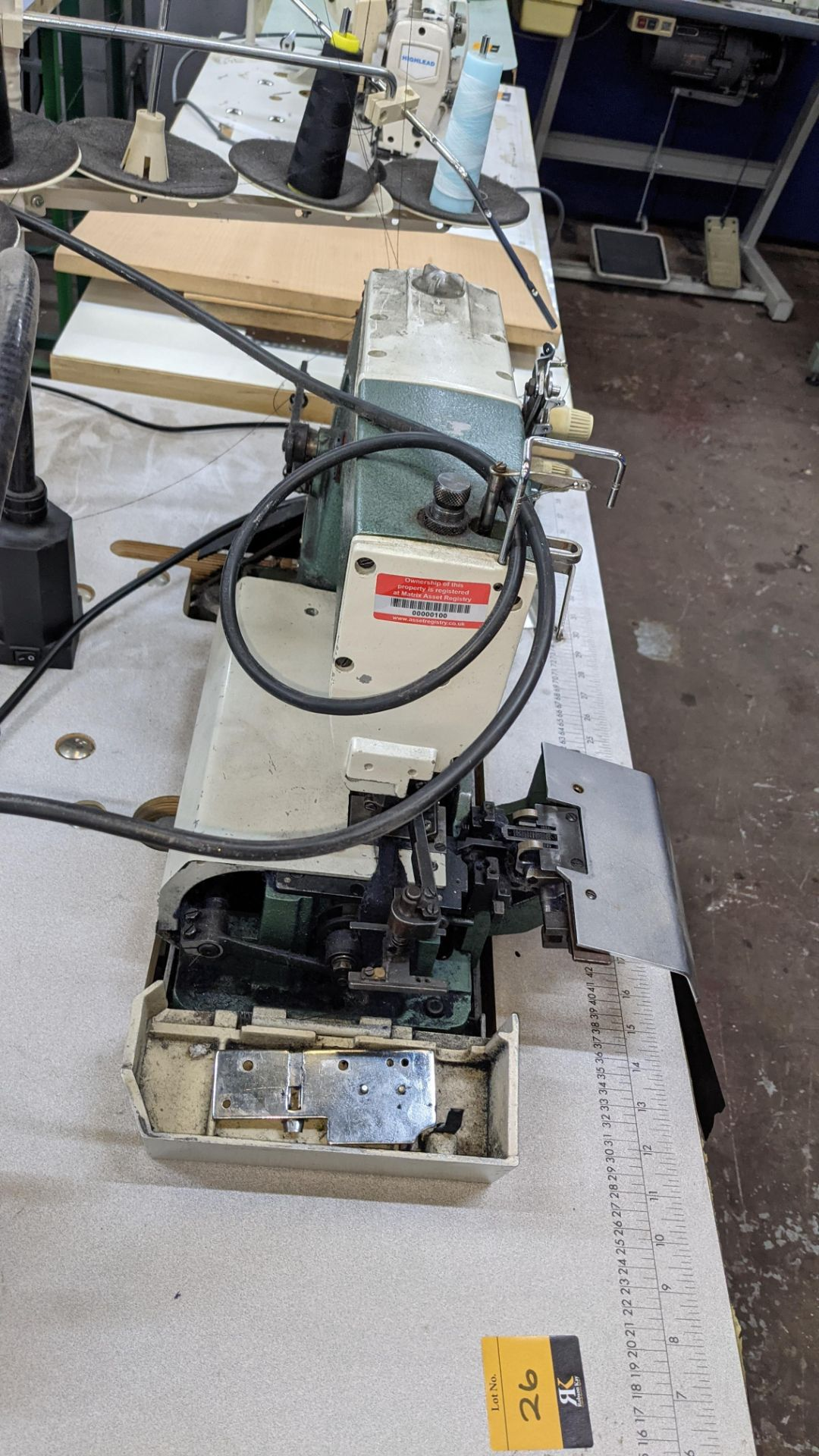 Sewing machine - Image 8 of 16