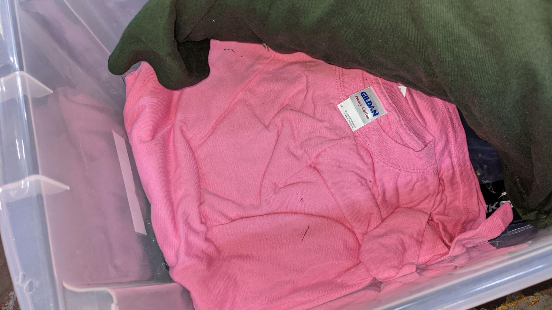 Approx 25 off Uneek assorted t-shirts - Image 6 of 7