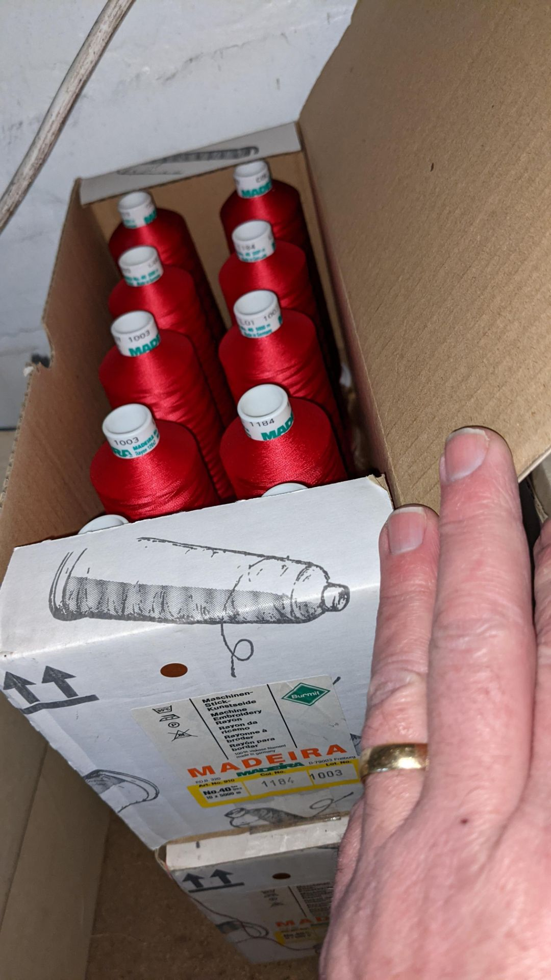 8 boxes of Madeira Burmit No. 40 rayon embroidery thread - Image 7 of 8