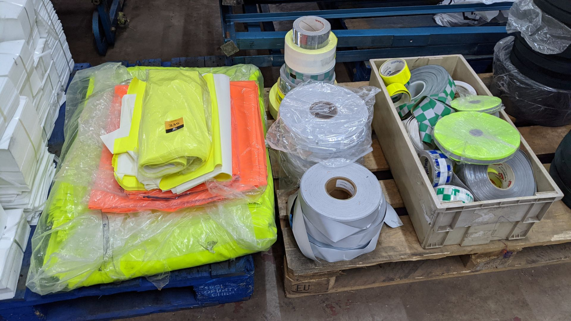 Quantity of hi-vis & reflective fabric & trim comprising 1 stack of fabric, 1 row of reels & the con - Image 3 of 9