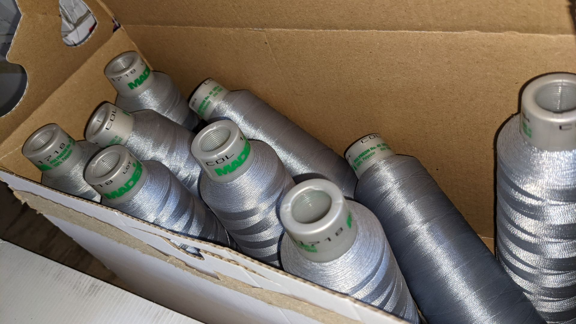 4 boxes of Madeira Polyneon No. 40 polyester embroidery thread - Image 5 of 6
