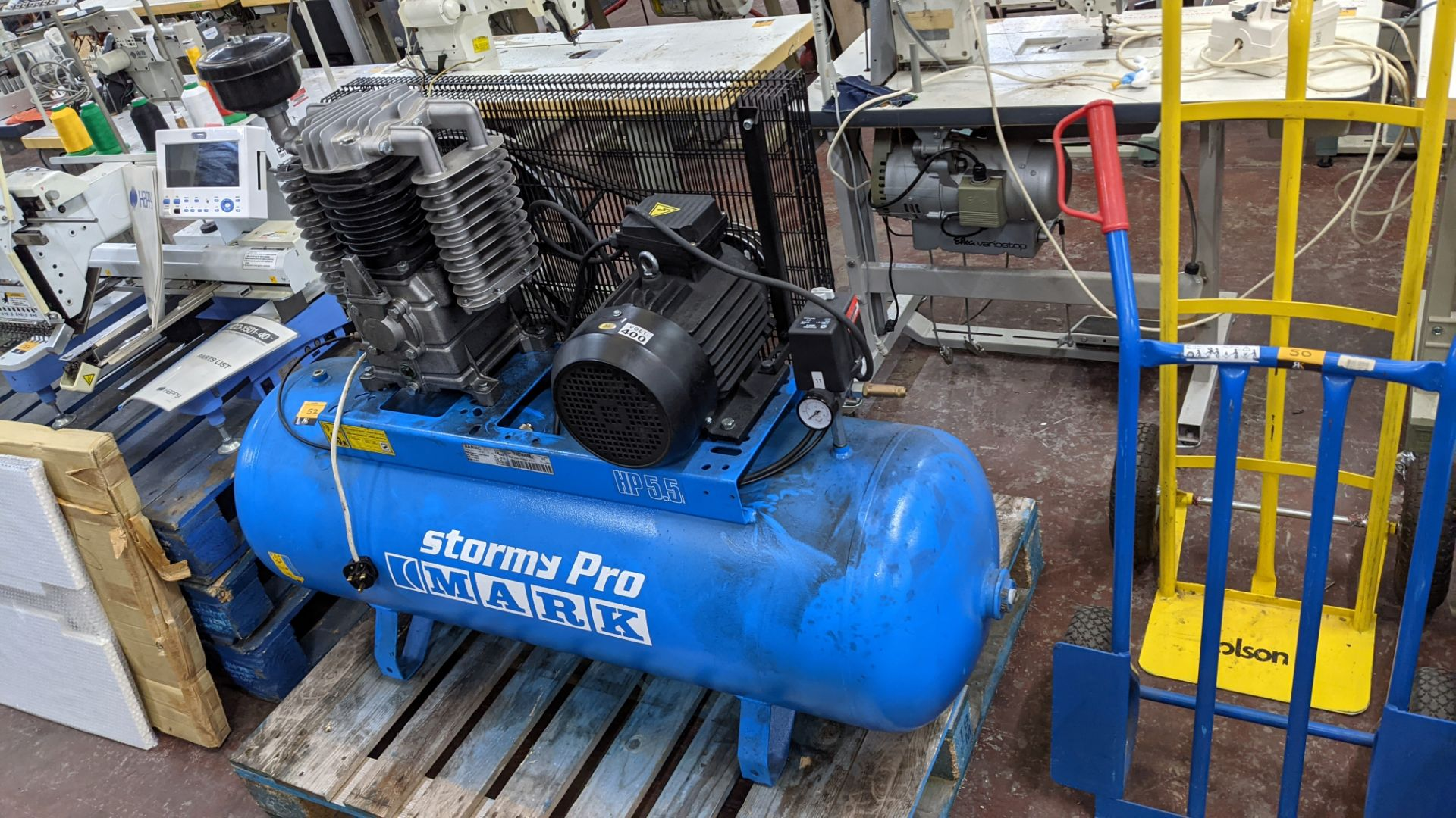 Mark Stormy Pro all-in-one compressor comprising horizontal welded air receiver with compressor equi - Image 2 of 17