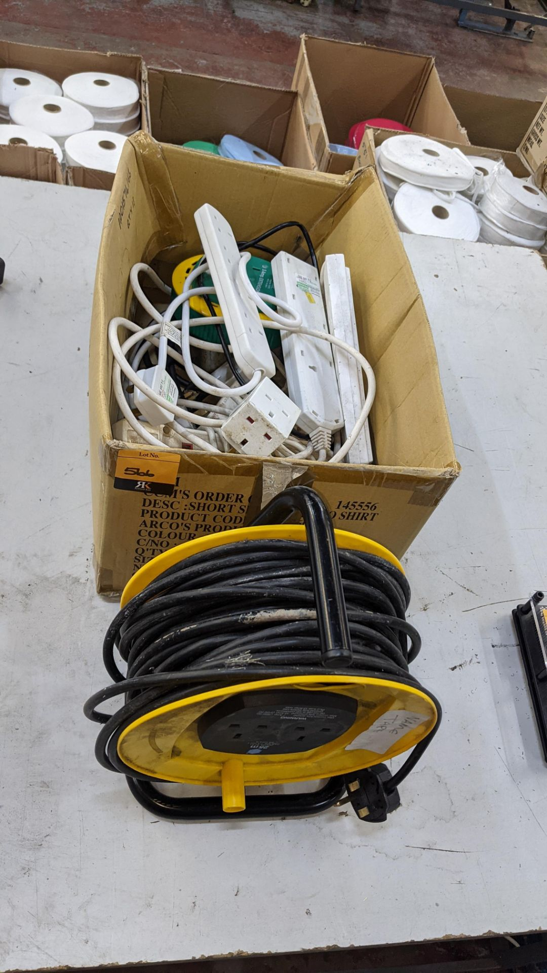 Box of electrical extension cables plus reel of extension cable as pictured in front of the box - Image 2 of 4